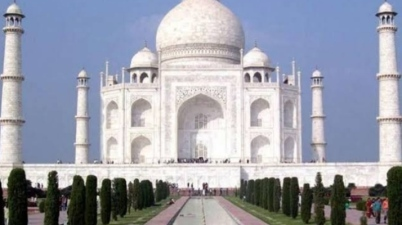 Taj Mahal Reopens for public after 188 days