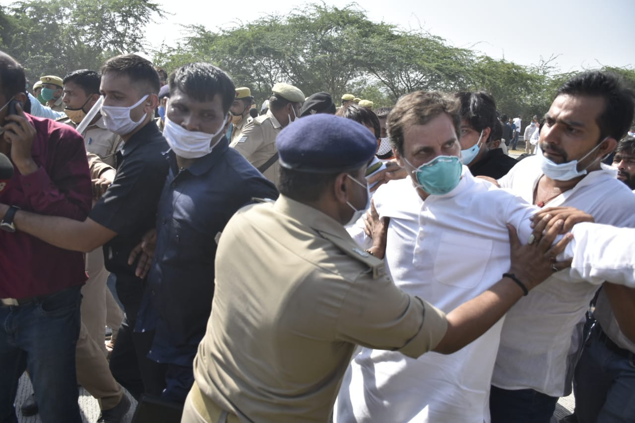 Rape Case: Rahul Gandhi, Priyanka Gandhi Vadra, senior Congress leaders have been arrested by the UP police