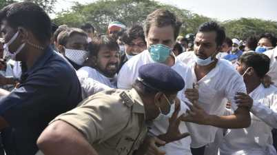 Uttar Pradesh Police lodged an FIR against Rahul Gandhi, Priyanka Gandhi and other Congress workers