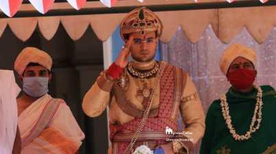 Maharaja Yaduveer Wadiyar Performs 'Ayudha Pooja' in Mysuru Palace
