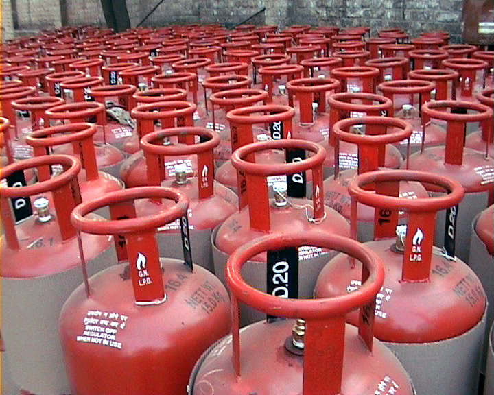LPG cylinder new rules: Home delivery of LPG cylinders will require OTP