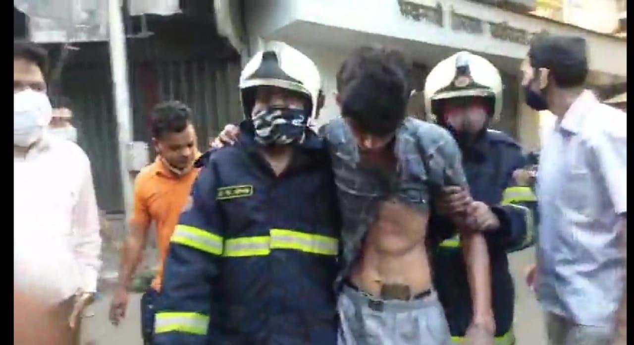 Mumbai: 20 injured in a gas cylinder blast in Lalbaug area of Mumbai