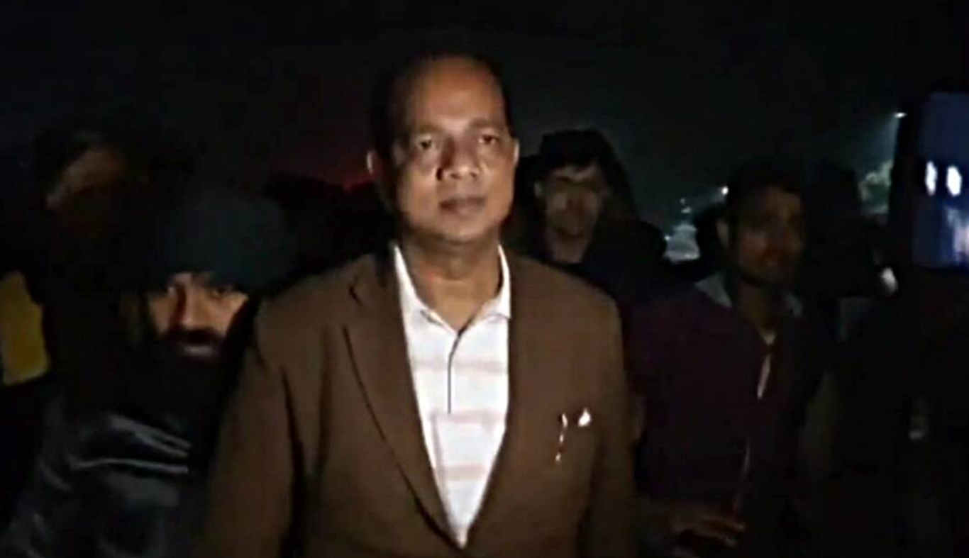 West Bengal minister Jakir Hossain injured in crude bomb attack at railway station