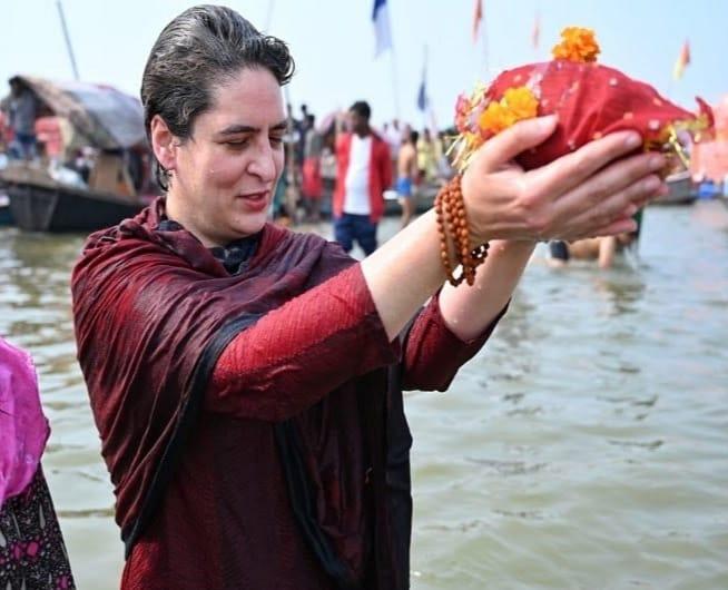 Priyanka Gandhi Vadra takes holy dip at Sangam in Prayagraj on Mauni Amavasya