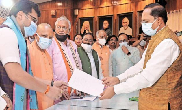 SP rebel candidate Nitin Agarwal elected Deputy Speaker of UP Assembly